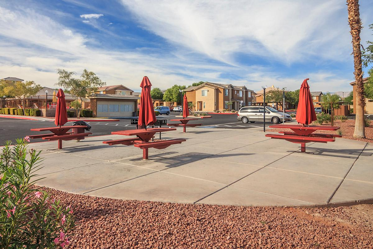 Siena Townhomes provides a picnic area with barbecue
