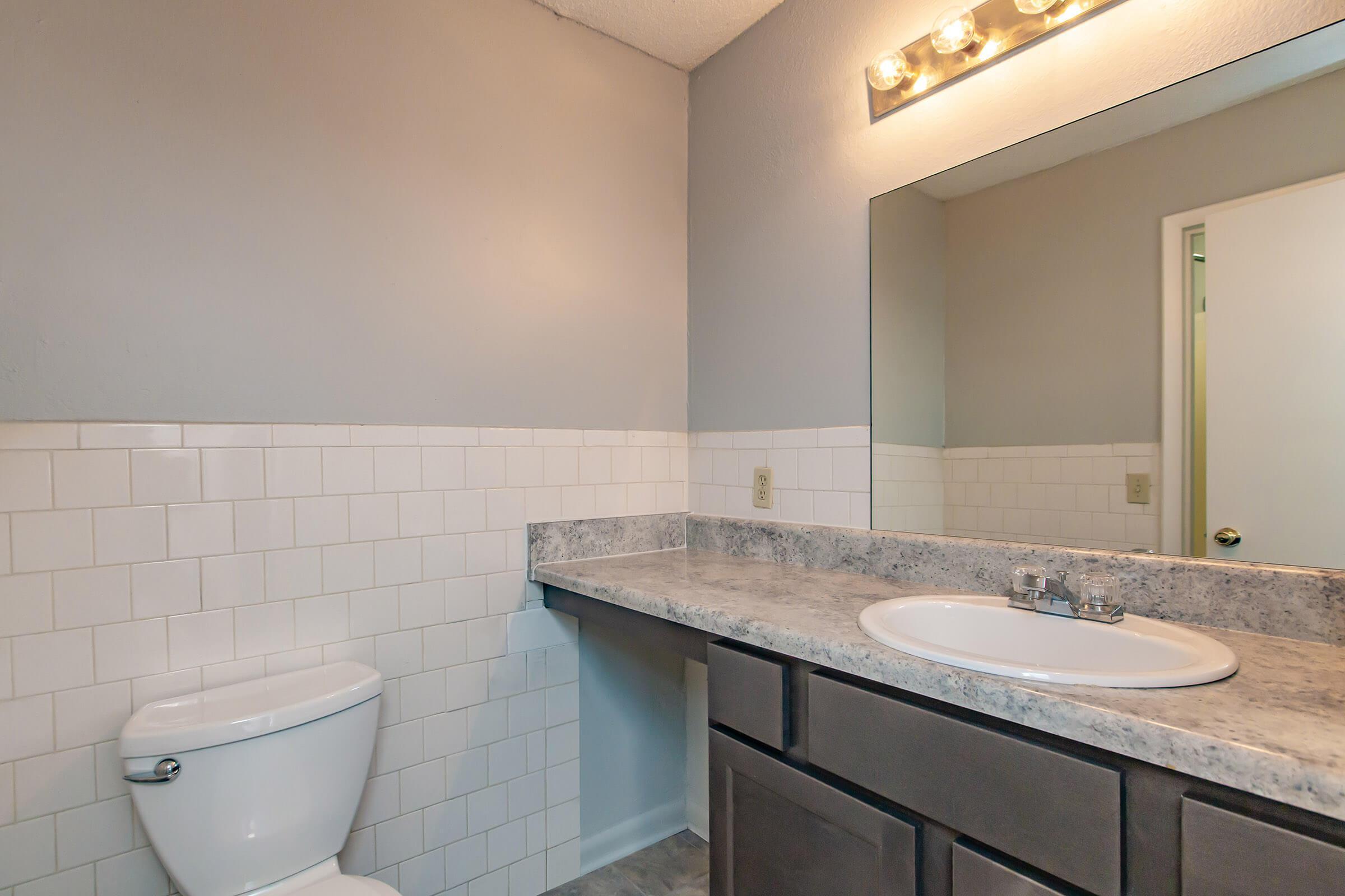 Spacious countertops in bathroom
