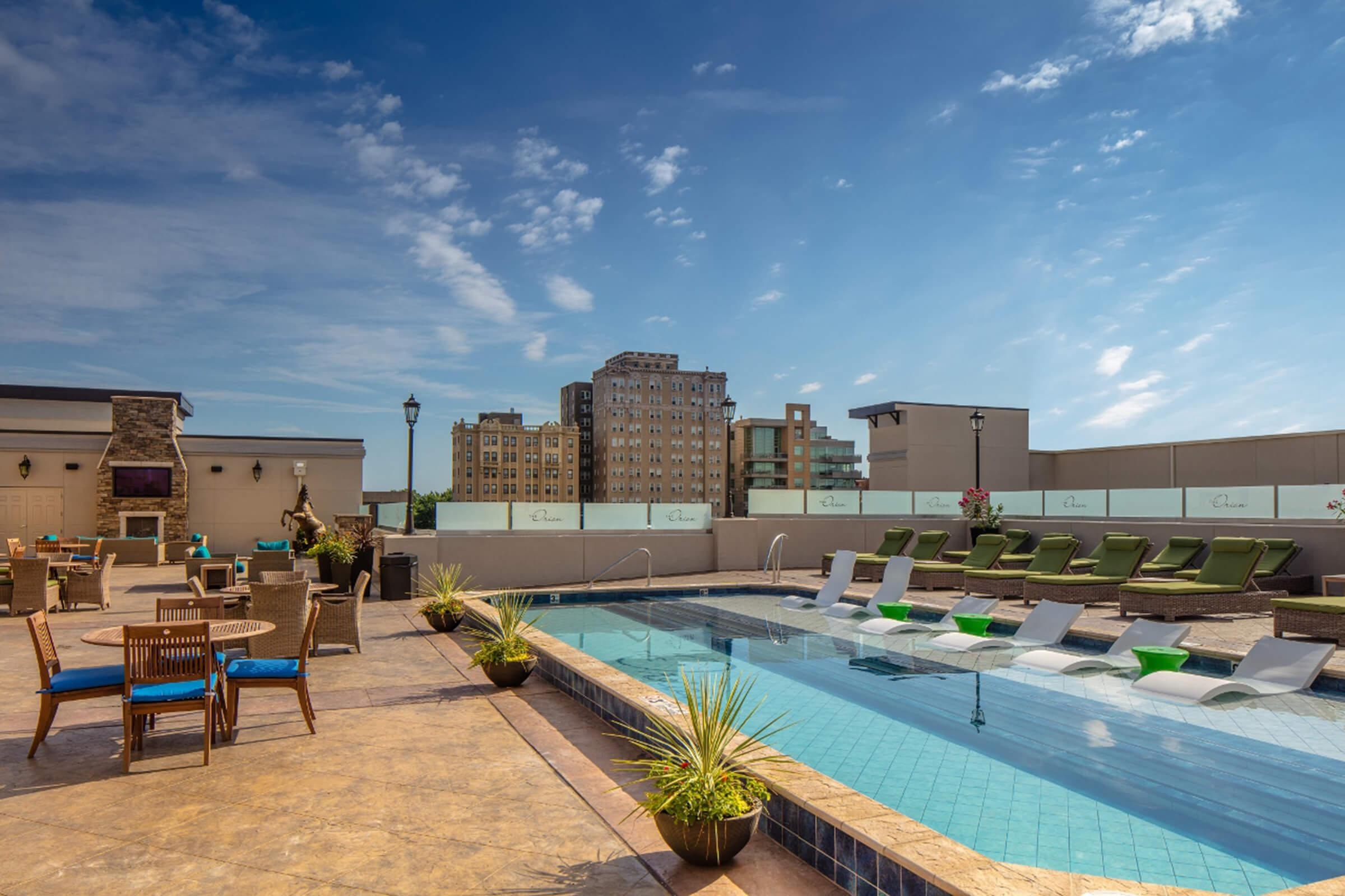 The Orion Apartments in Central West End - St. Louis, MO - Rooftop Swimming Pool 01 (1280x853).jpg