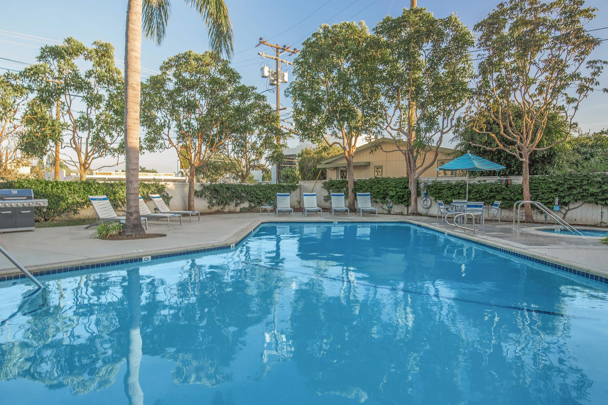 Sandpointe Cove Apartment Homes community pool