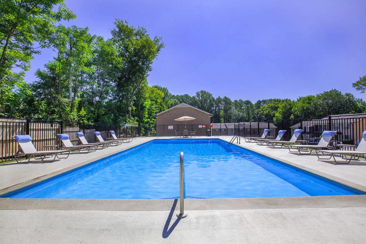 Seating by the pool at The Kensington in Columbia, TN