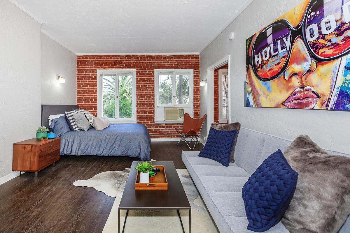 Cozy Apartments in Los Angeles, CA