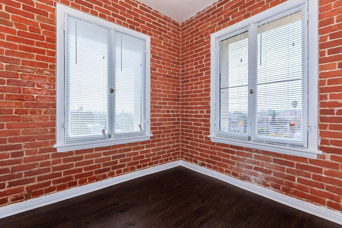 Brick walls at Ancelle
