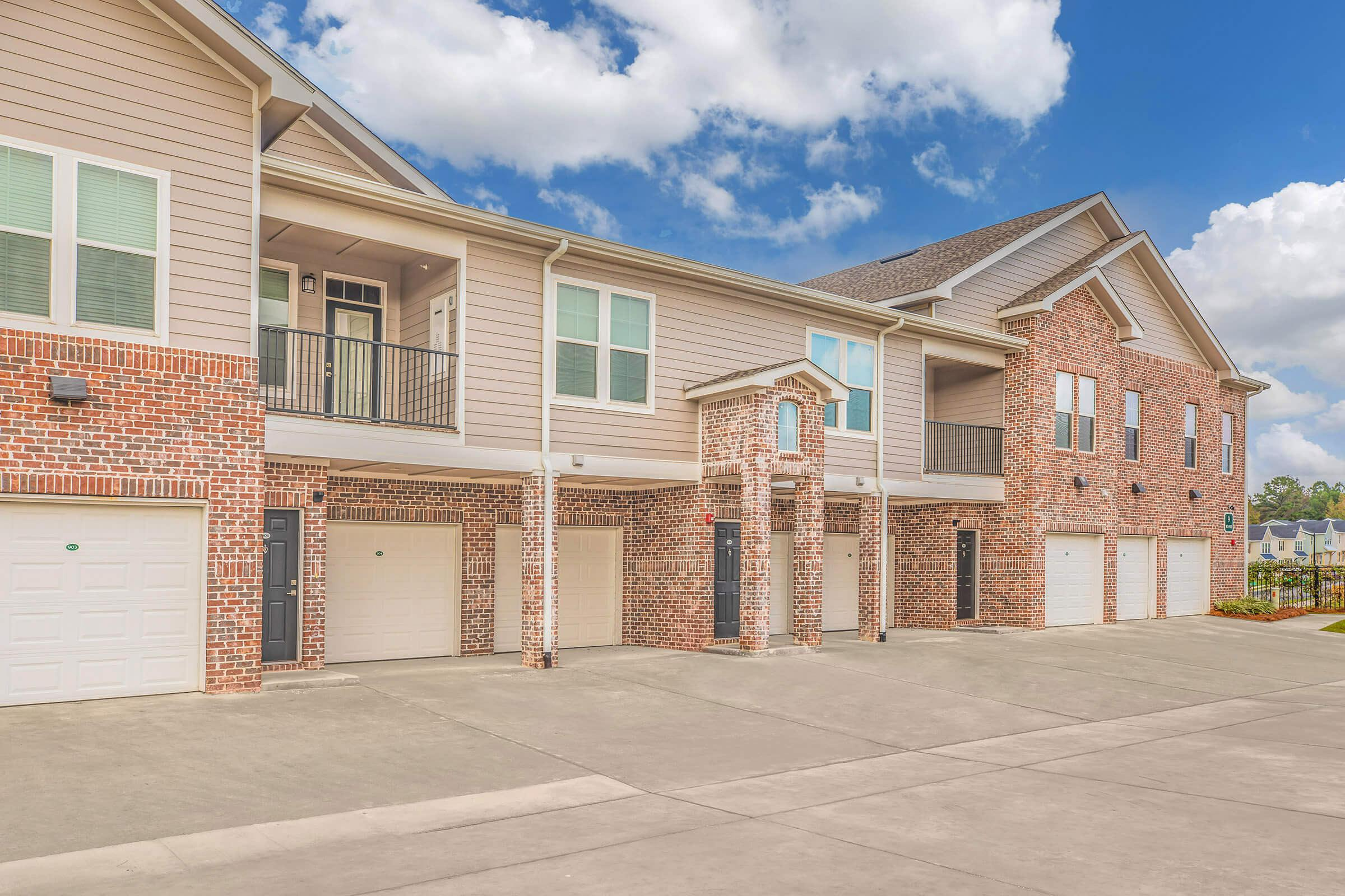 ONE, TWO, AND THREE BEDROOM APARTMENTS FOR RENT IN TALLAHASSEE, FL