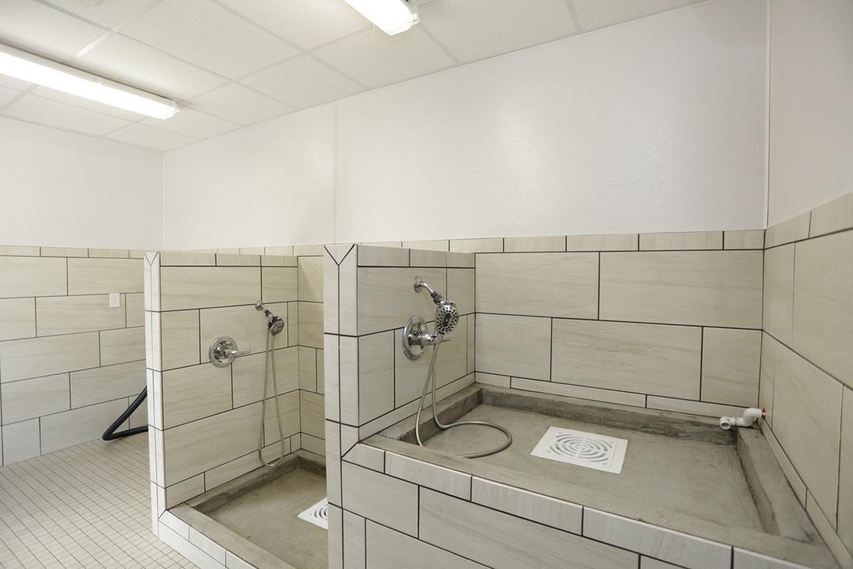 the-flats-324-wichita-ks-dog-wash.jpg