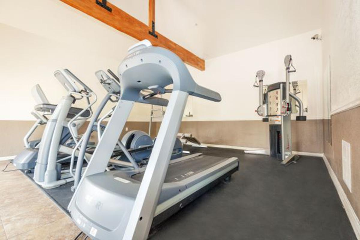 gym-tucson-az-apartments.jpg