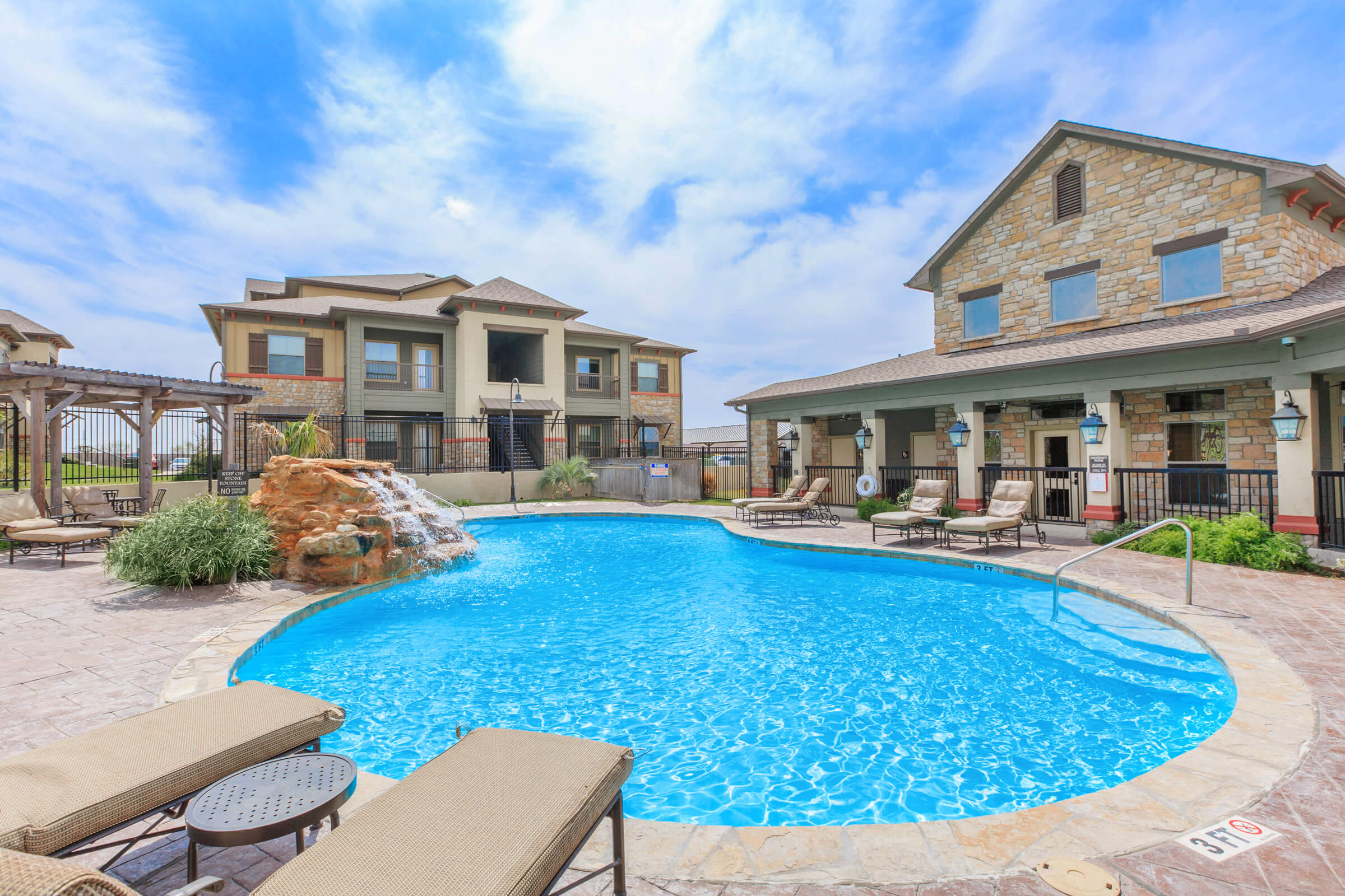 Shiloh crossing apartments in laredo tx - Laredo civic center swimming pool ...