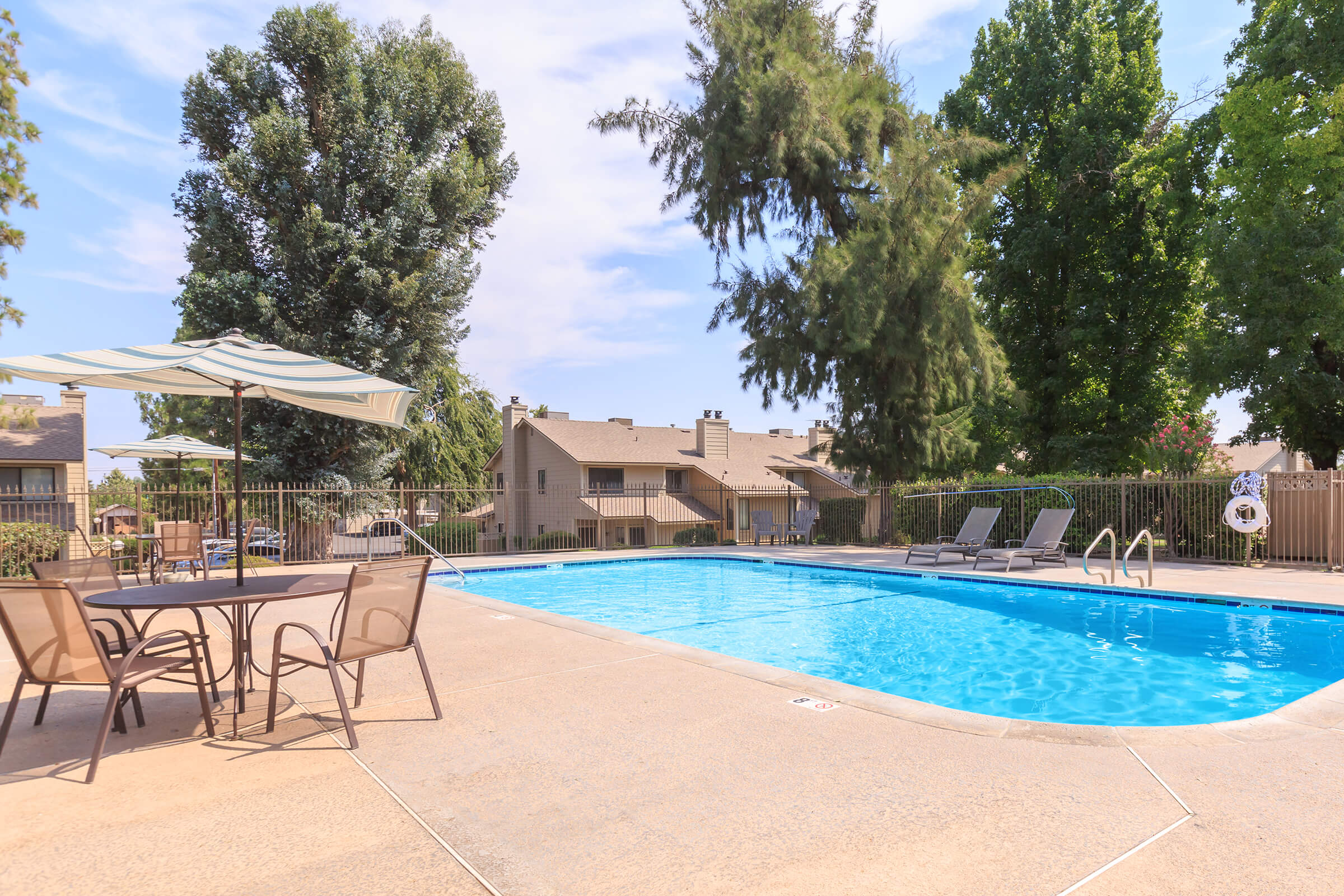 Willow Park Apartments Apartments For Rent In Fresno Ca