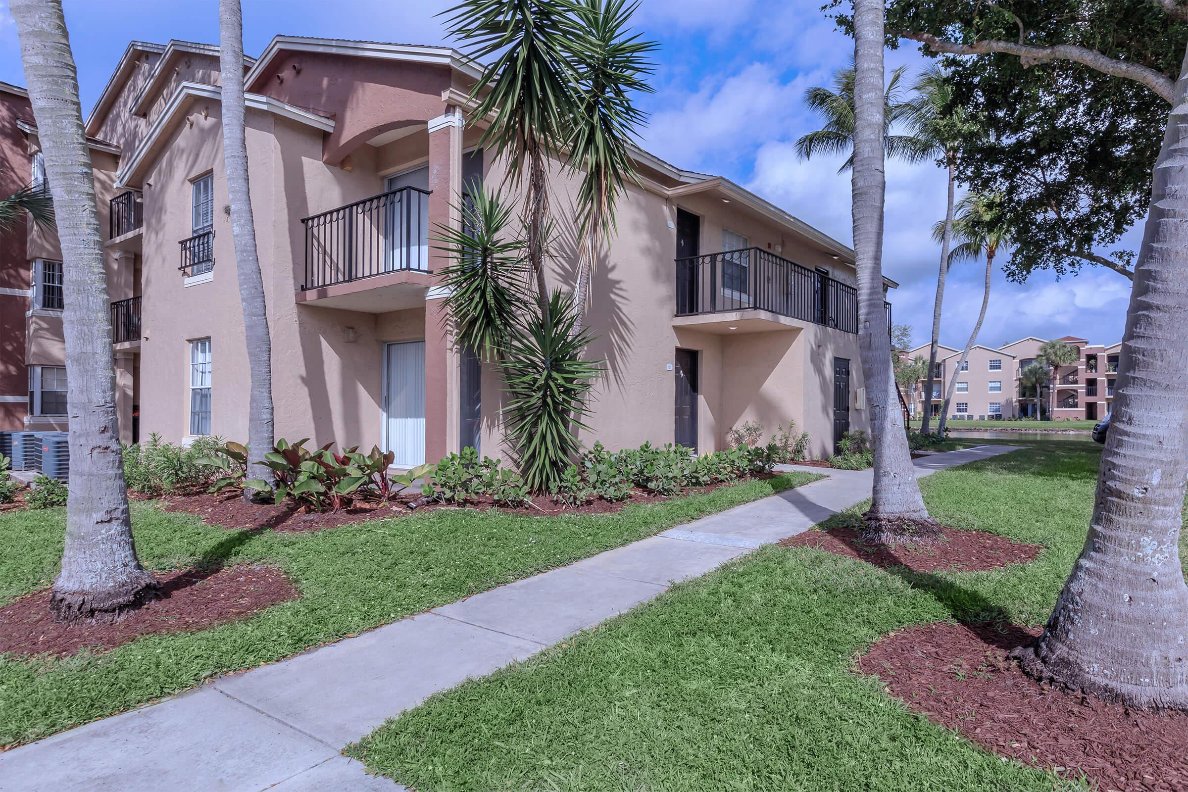 Beautiful Landscaping at Latitude Pointe Apartments in Boynton Beach, Florida