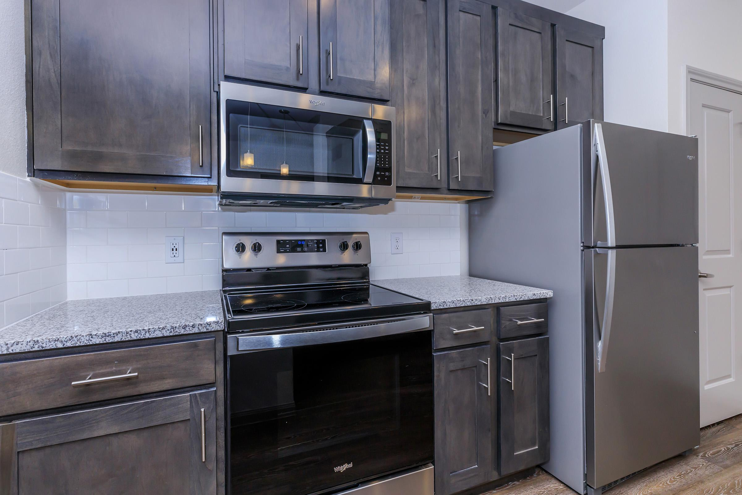 STAINLESS STEEL APPLIANCE PACKAGE