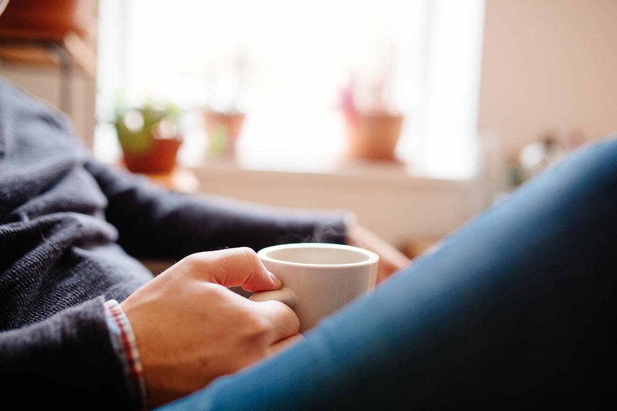 man-drinkingcoffeer.jpg