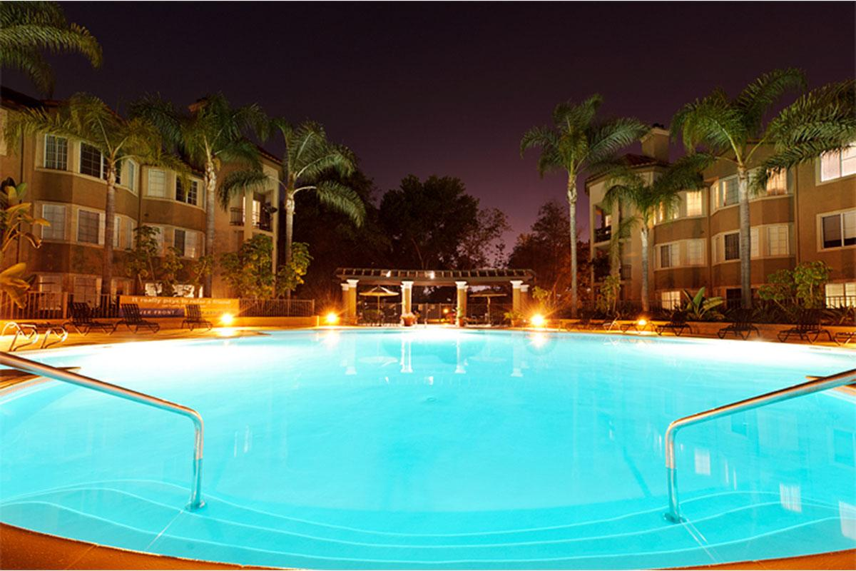 Pool-night.jpg
