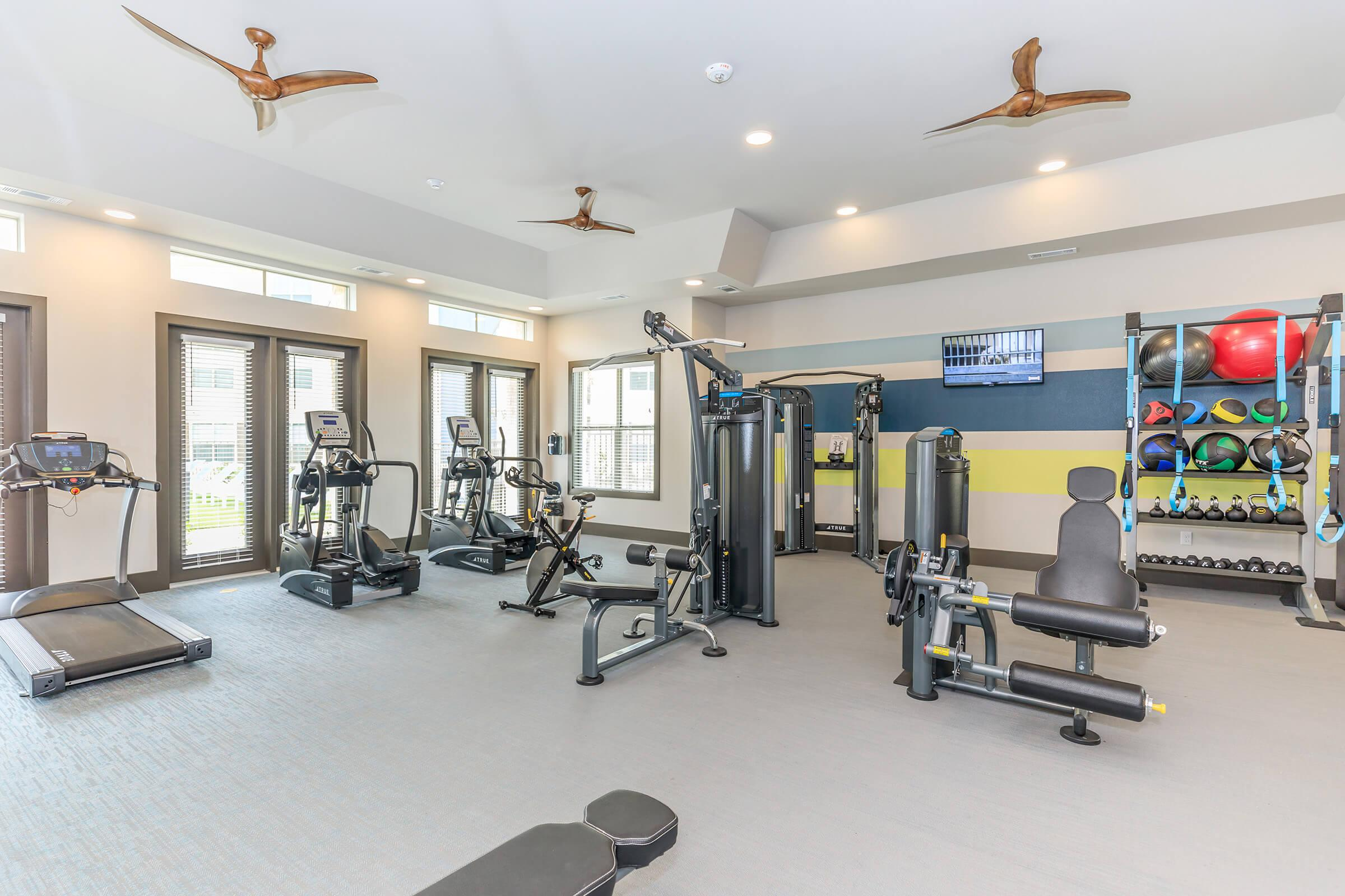 SPACIOUS FULLY-EQUIPPED FITNESS CENTER