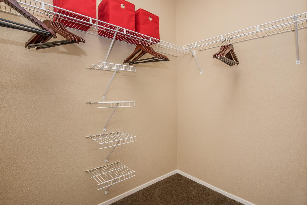 Walk-in Closets in Las Vegas, NV