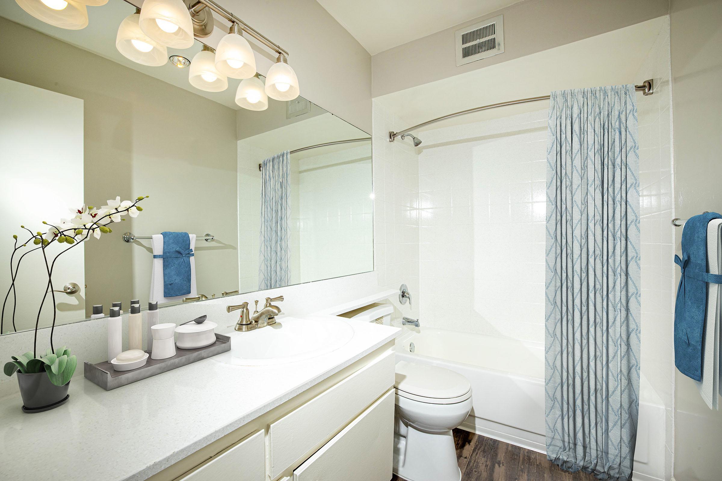 Modern bathrooms at Casa Hermosa in San Diego, California
