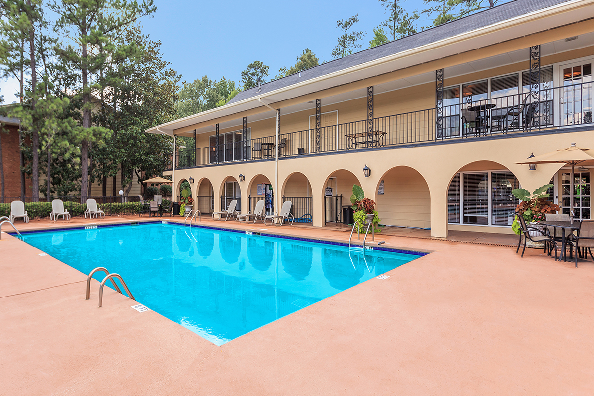 Picture of Riverchase Landing Apartments