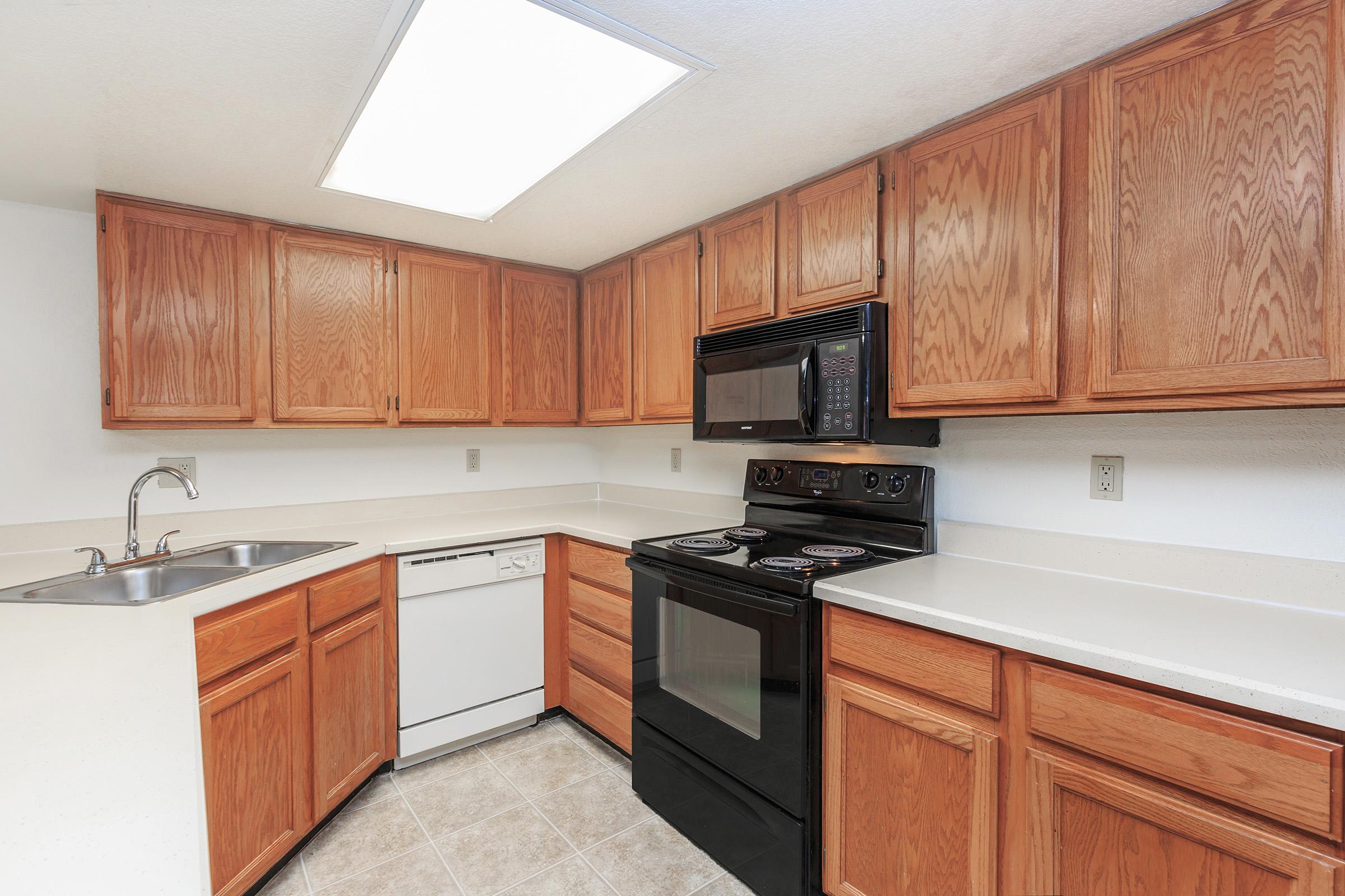 Catalina Crossing - Apartment Homes in Tucson, AZ