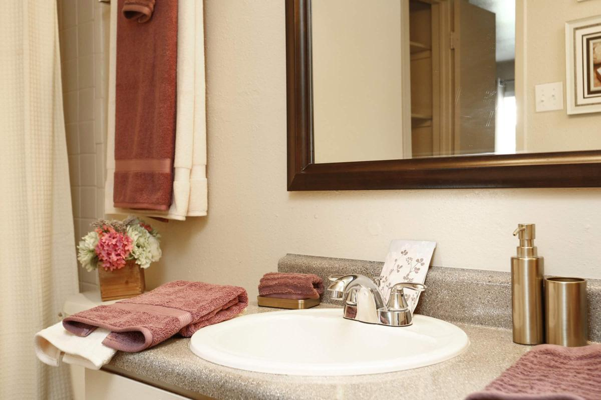 Pebblebend Apartments - Photo Gallery