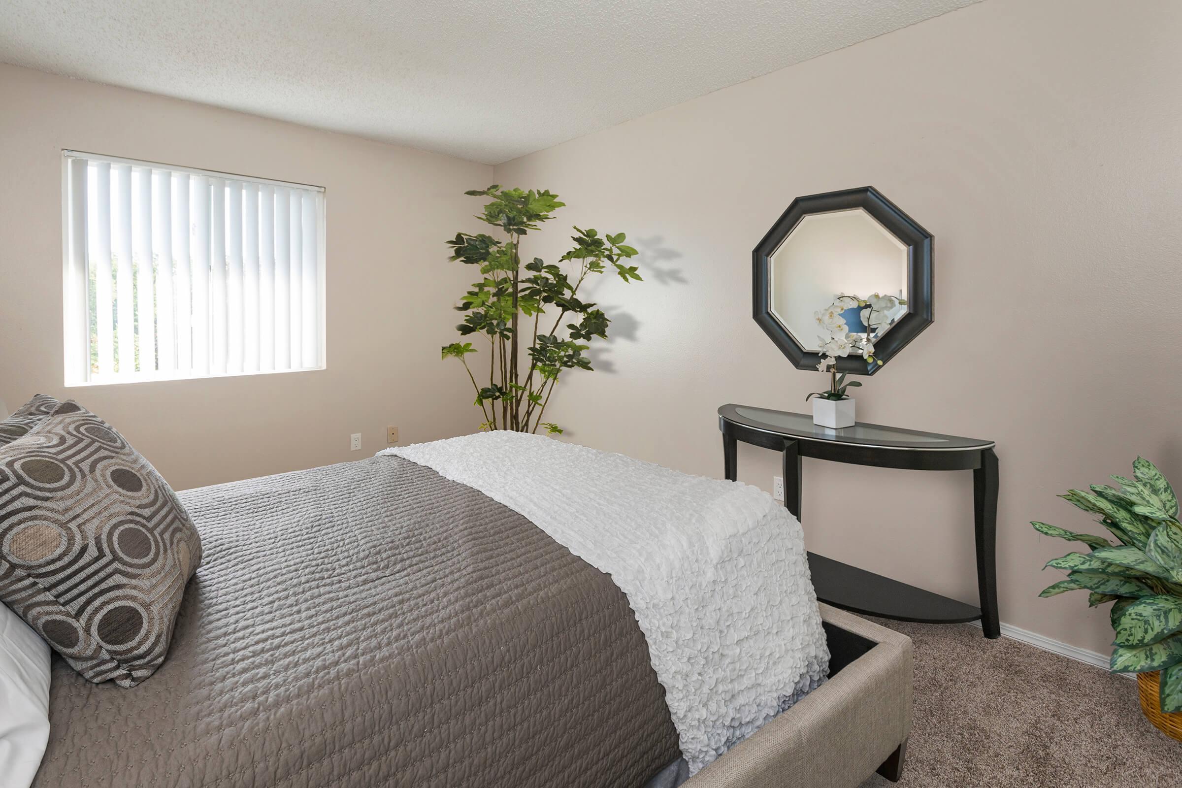 COZY BEDROOMS IN COLORADO SPRINGS, COLORADO