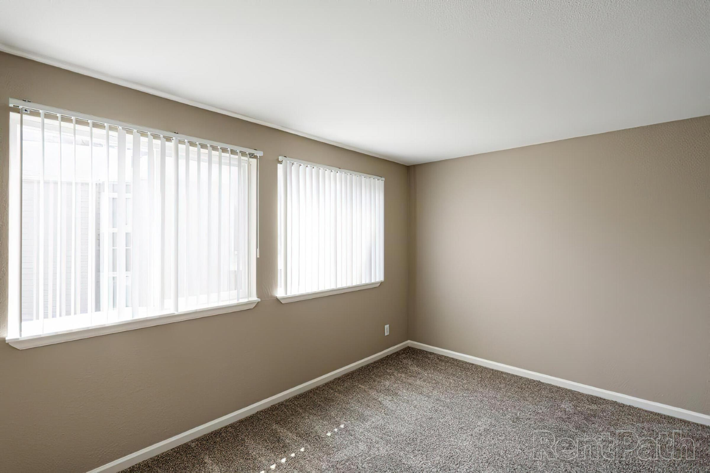2x2 TH bedroom.jpg
