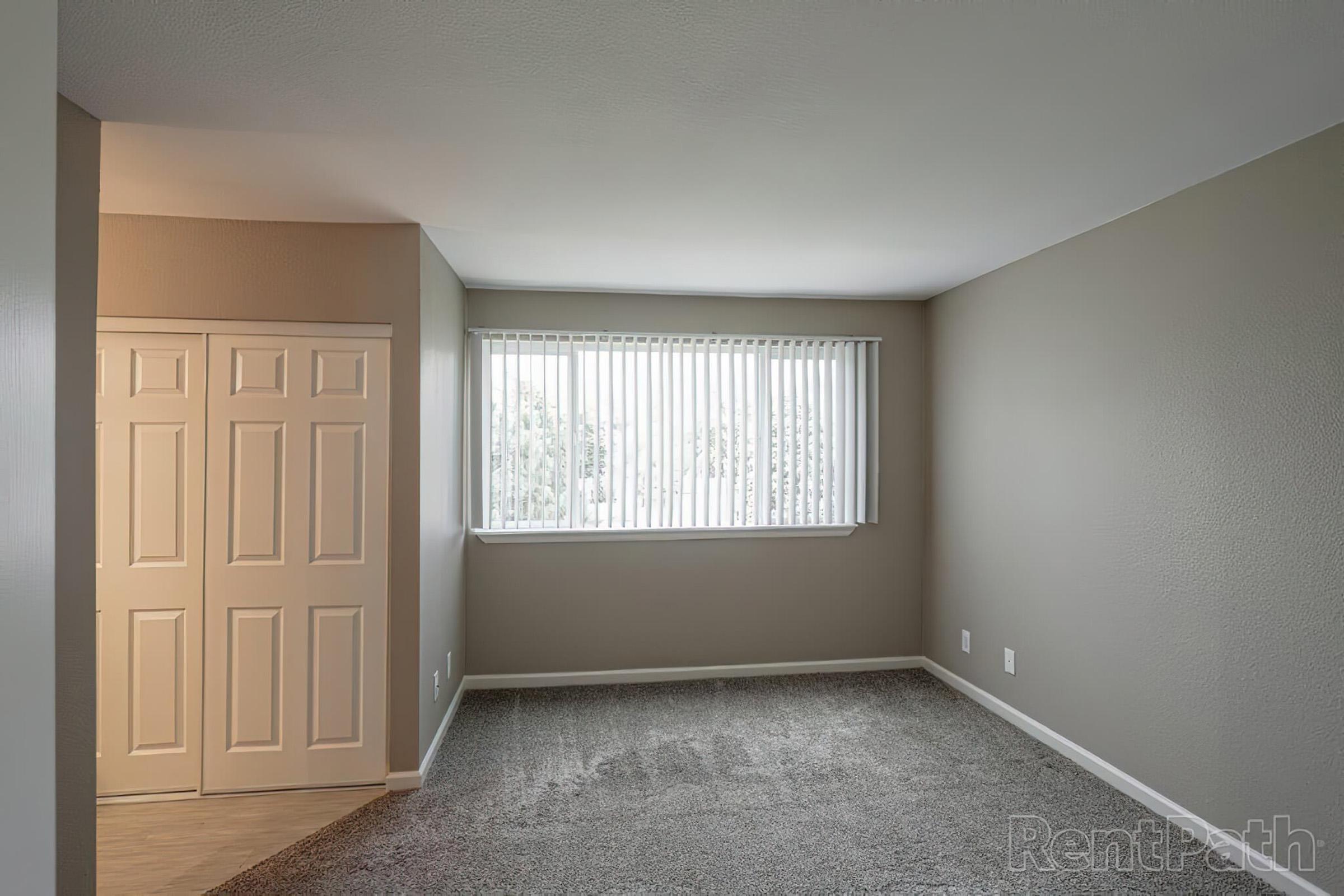 2x2 TH master bedroom.jpg