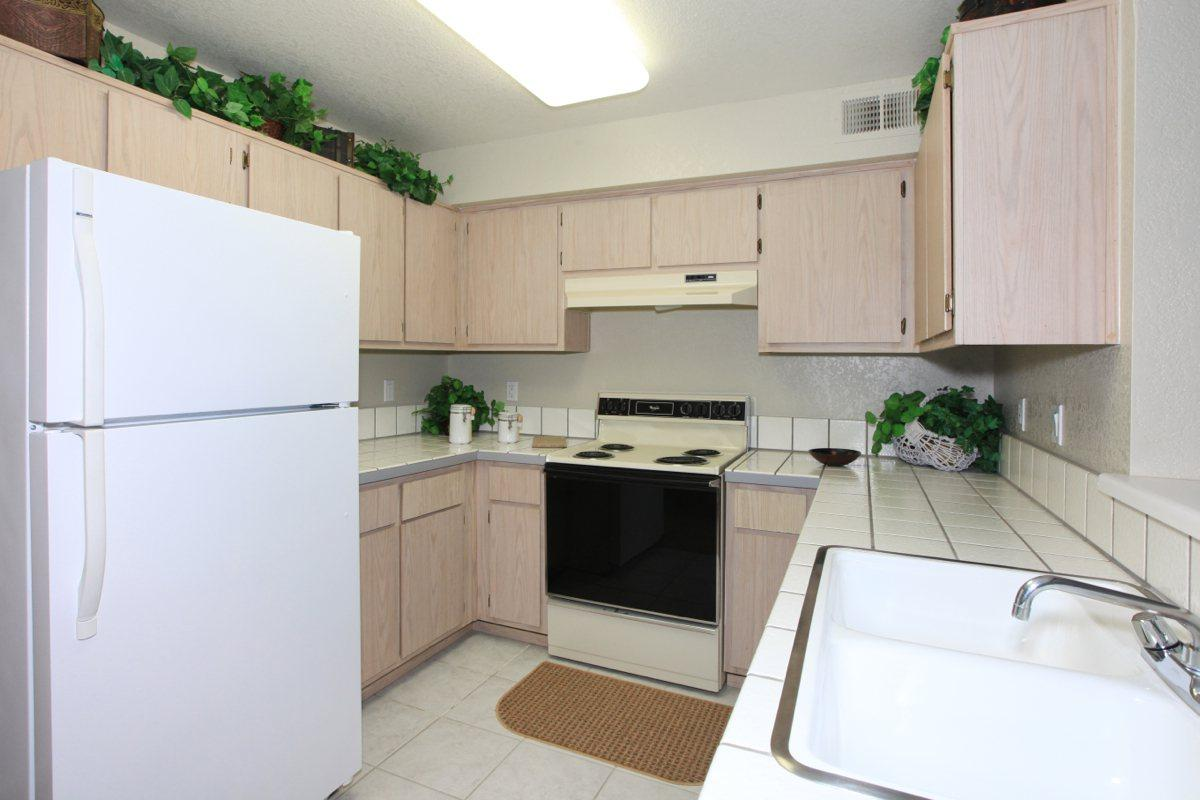 Sierra Meadows provides fully-equipped kitchens