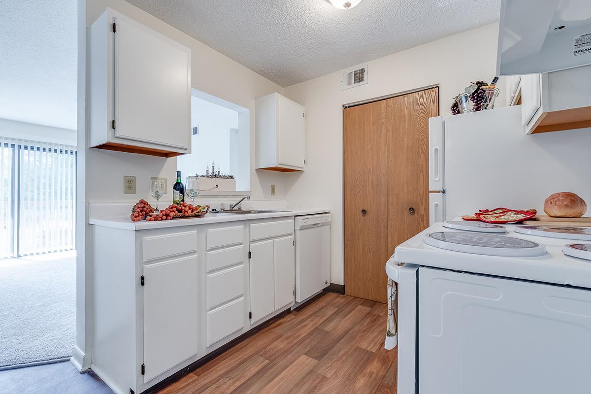 SciotoWoods-Kitchen_Living1.jpg