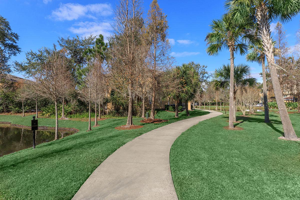 The Club at Hidden River has gorgeous walk-ways