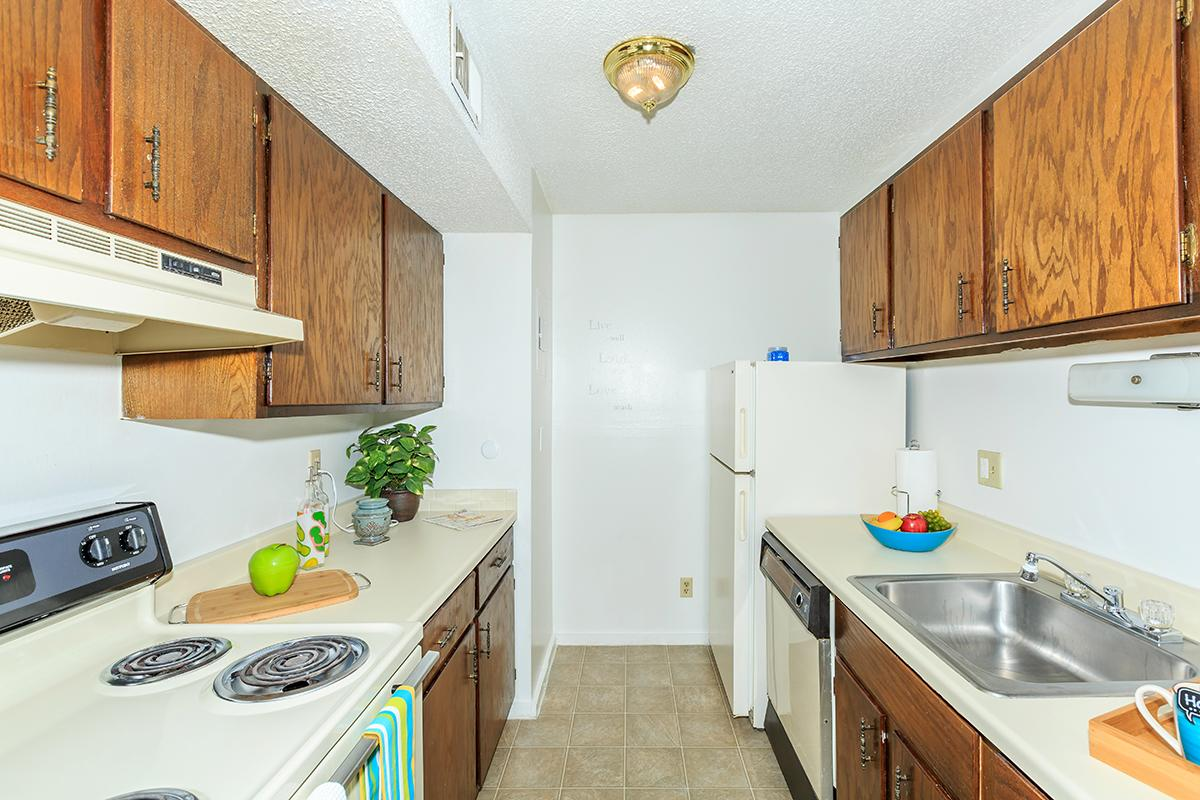 Fully Equipped Kitchens at Arbors of Grandview