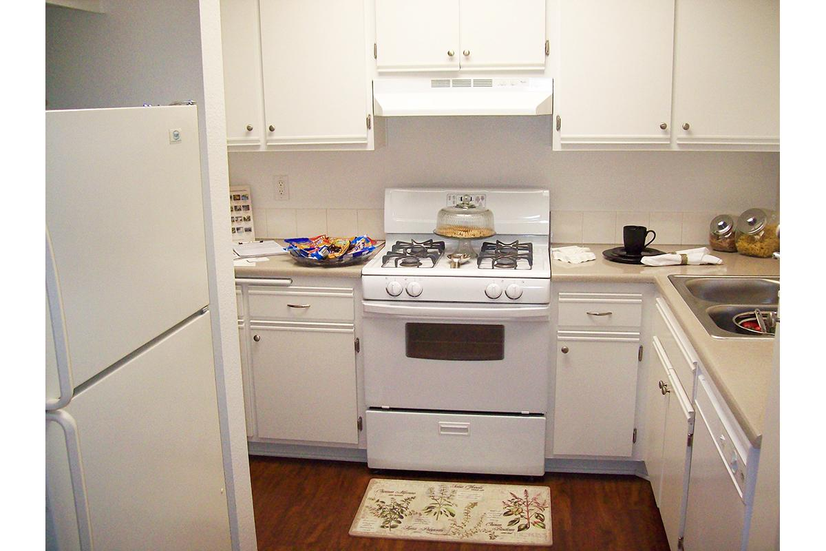 Plan E 113 Kitchen.jpg