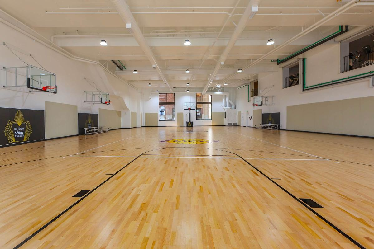 Broadway Palace Apartments - Indoor Basketball Court