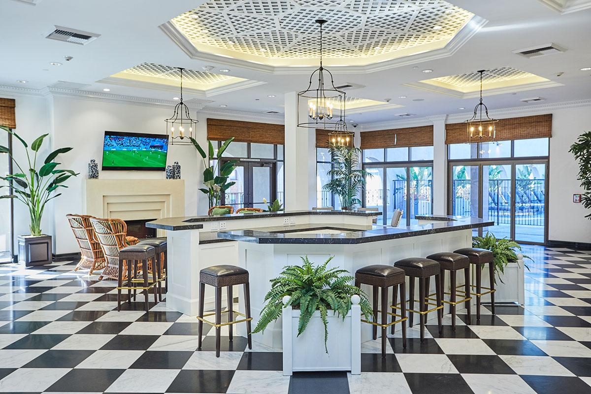 Broadway Palace Apartments - Lobby