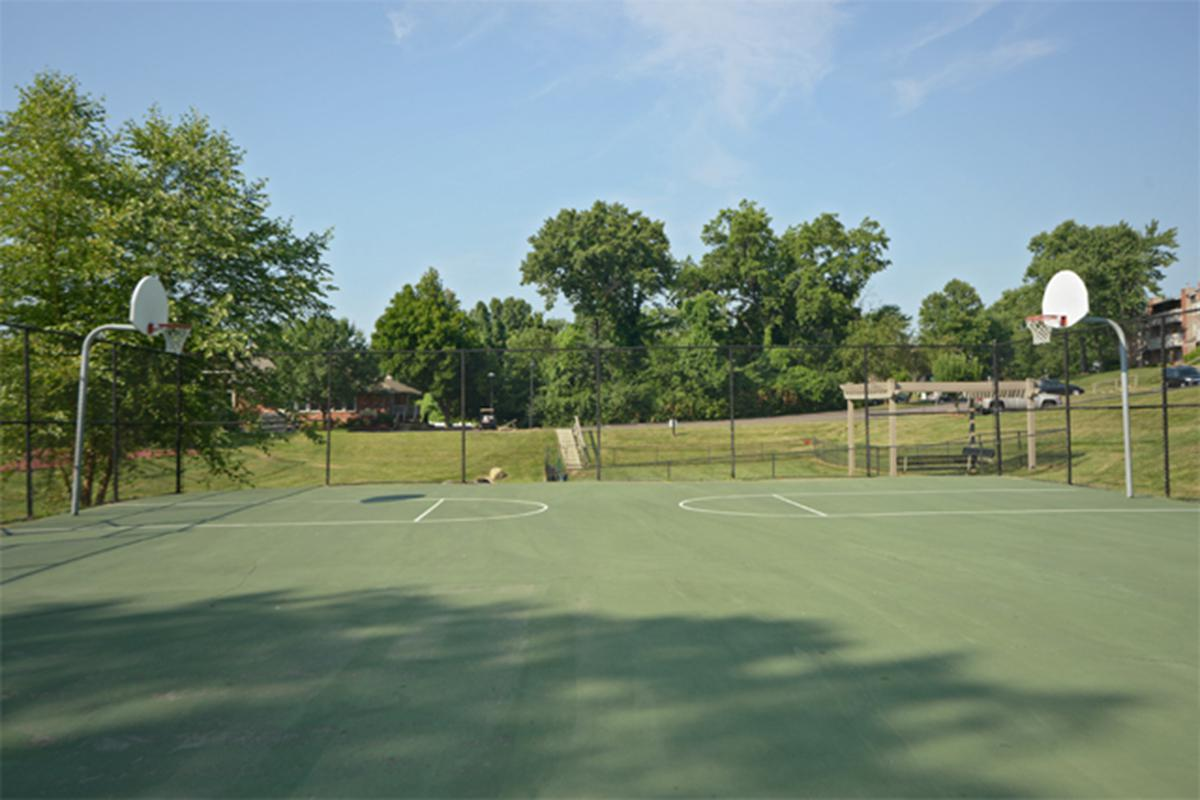 Southmoor Apartments in South County St. Louis, MO - Amenities 02.JPG