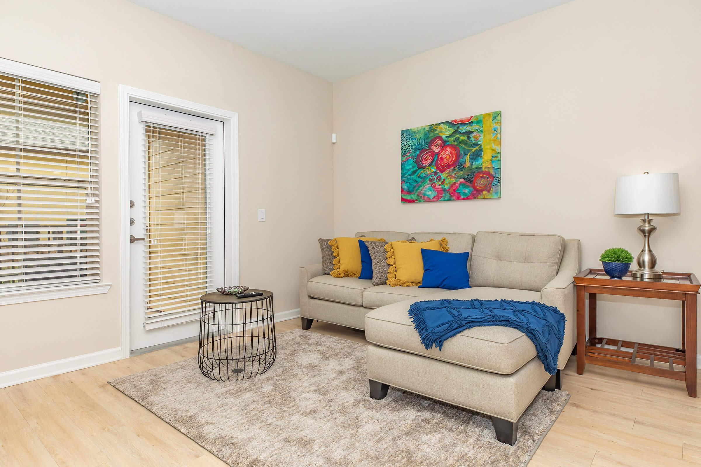 THE B2, 2 BED 2 BATH FLOOR PLAN AT THE WEST HILL APARTMENTS