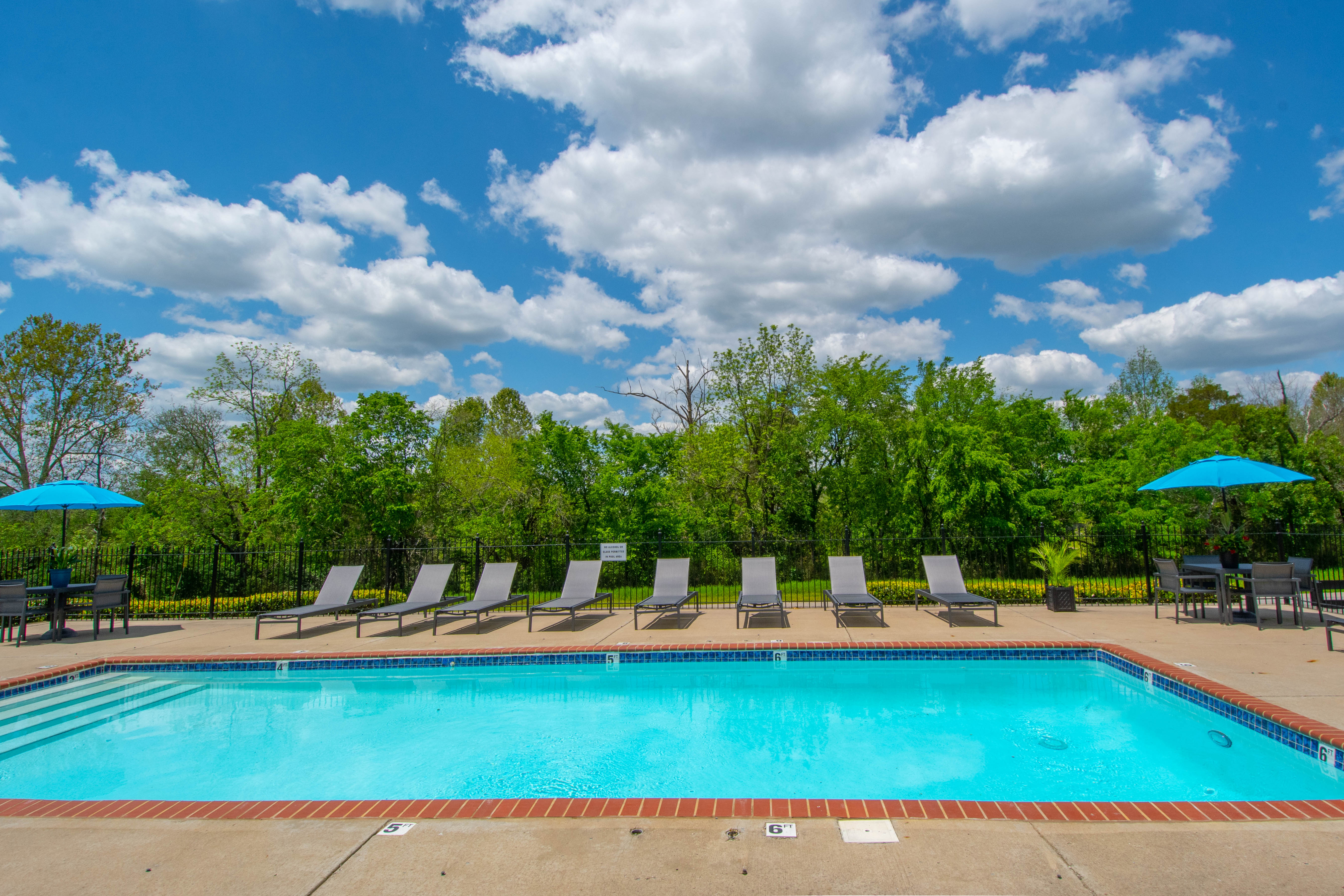 shimmering swimming pool at Chapmans retreat in Spring Hill, Tennessee
