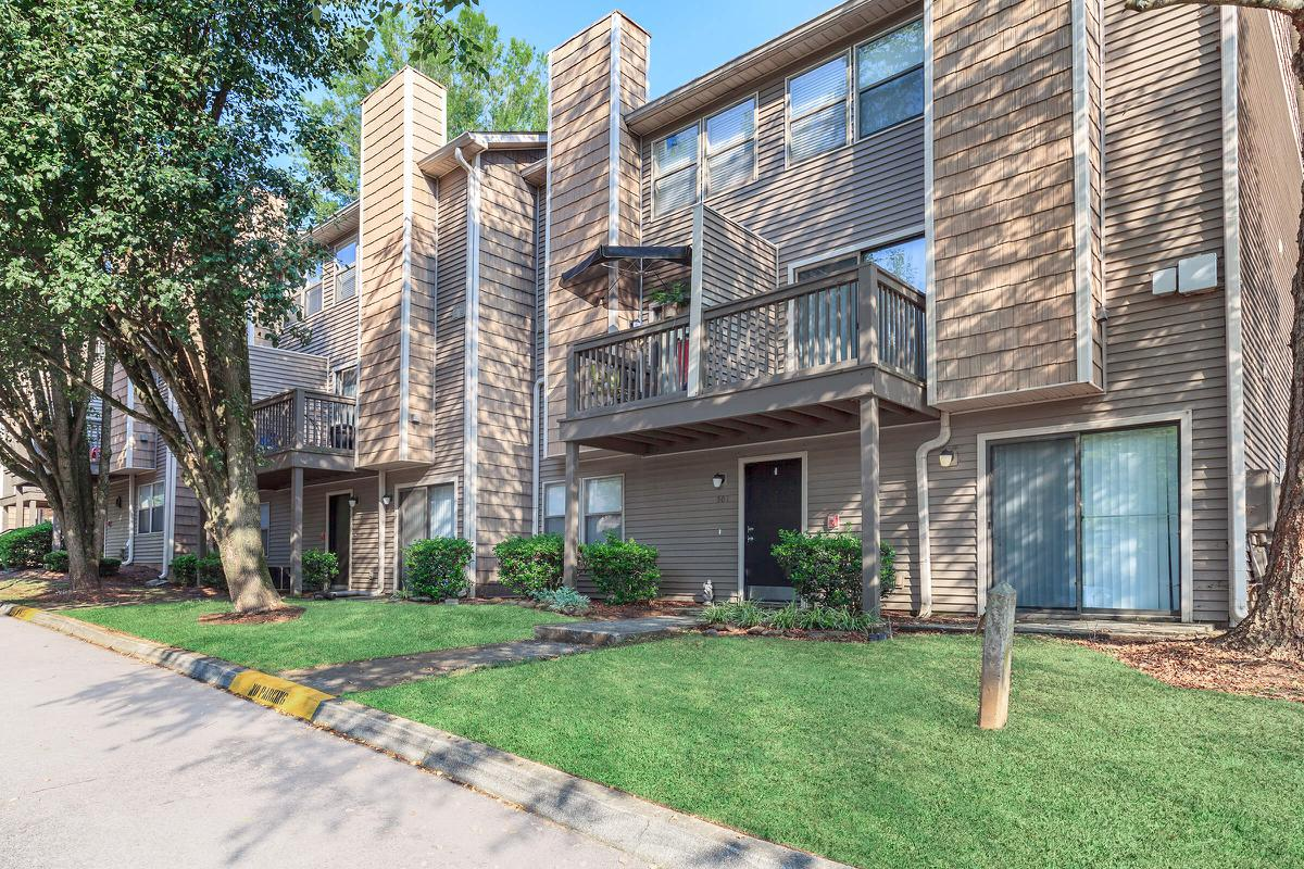 BALCONY OR PATIO AT APARTMENT HOMES FOR RENT IN KNOXVILLE