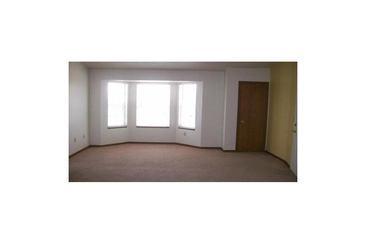 2br-with-bay-unfurnished.jpg