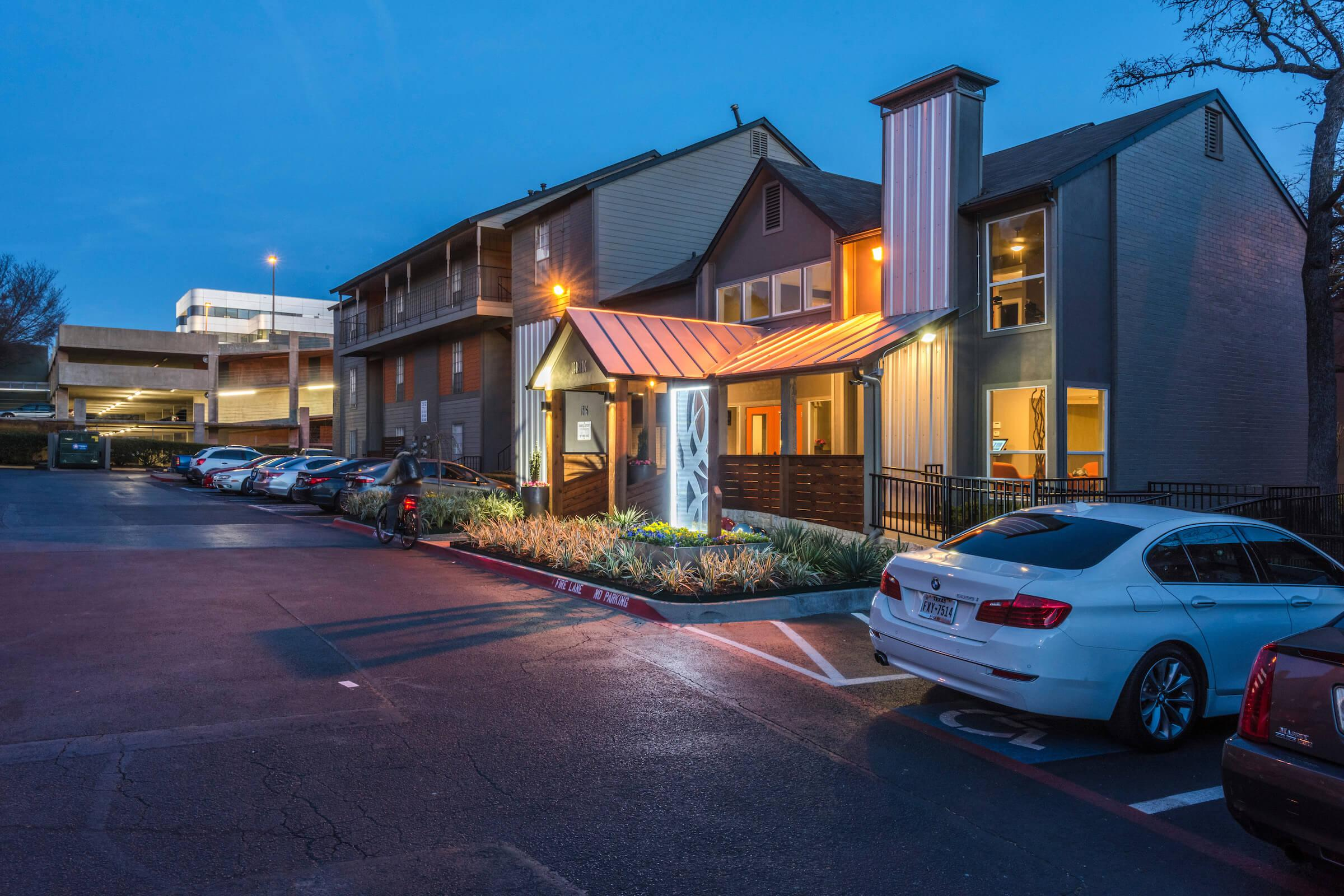 24-hour maintenance at Element apartments for rent