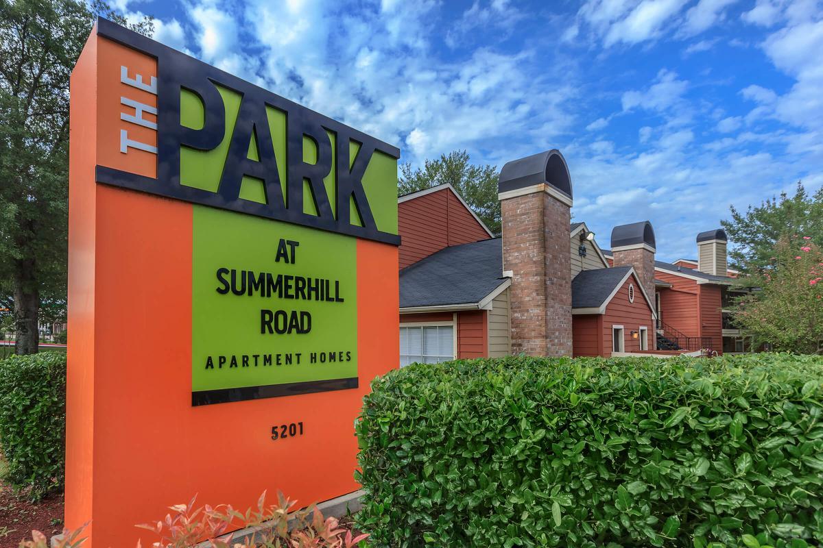 The Park at Summerhill Road apartment homes sign in Texarkana, Texas