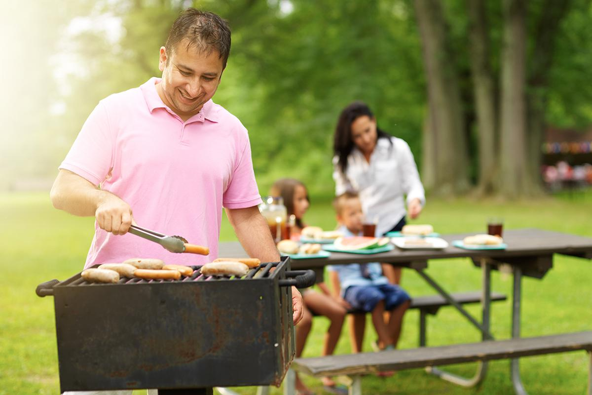 HAVE A BARBECUE WITH FRIENDS