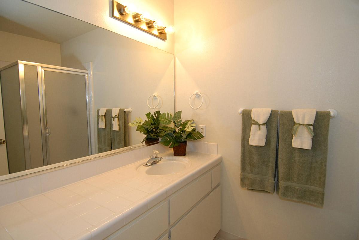 Rancho Sierra provides modern bathrooms