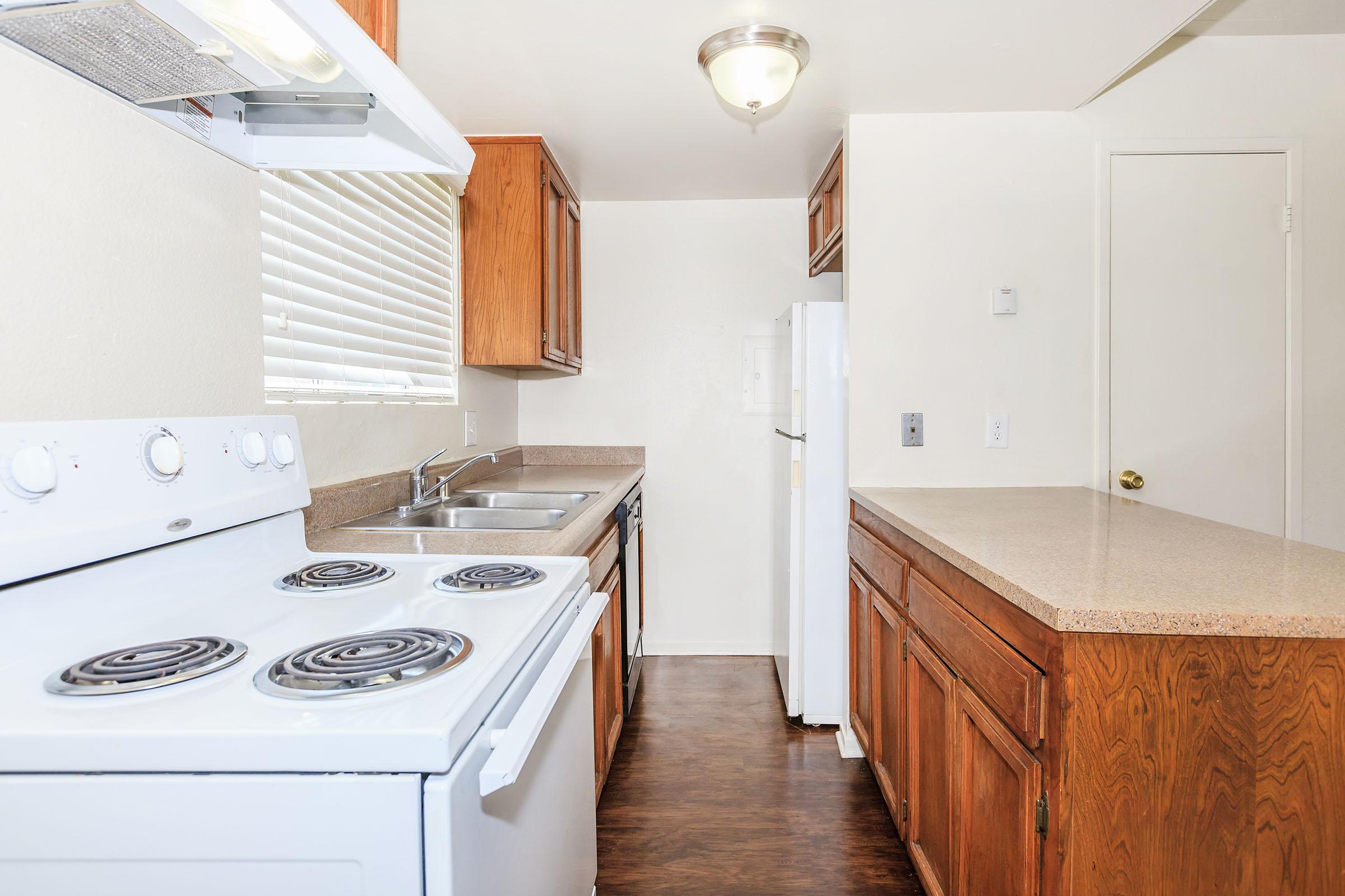 Sunburst Apartments - Amenities