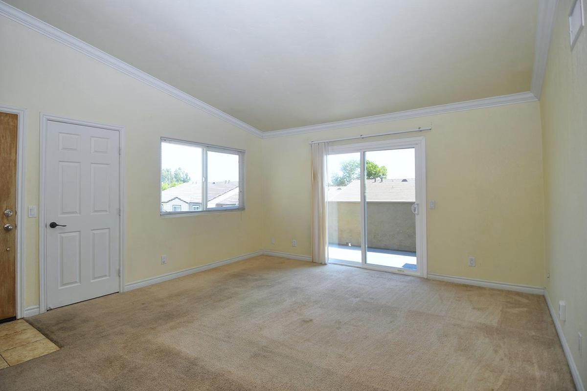 5022 Los Morros Way 42-large-002-015-Living Room-1500x996-72dpi.jpg