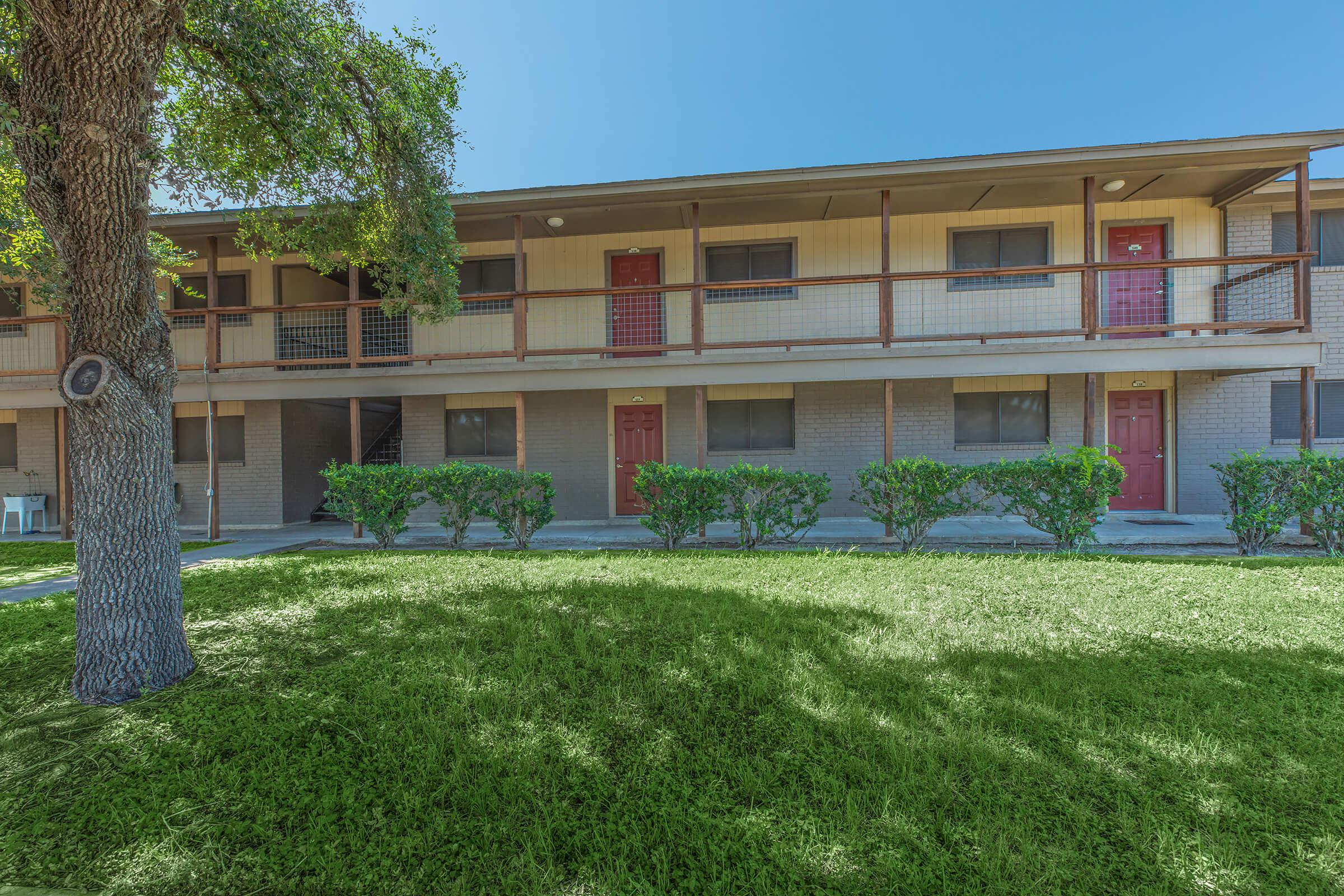 EAGLE'S LANDING APARTMENTS IN BEEVILLE, TEXAS