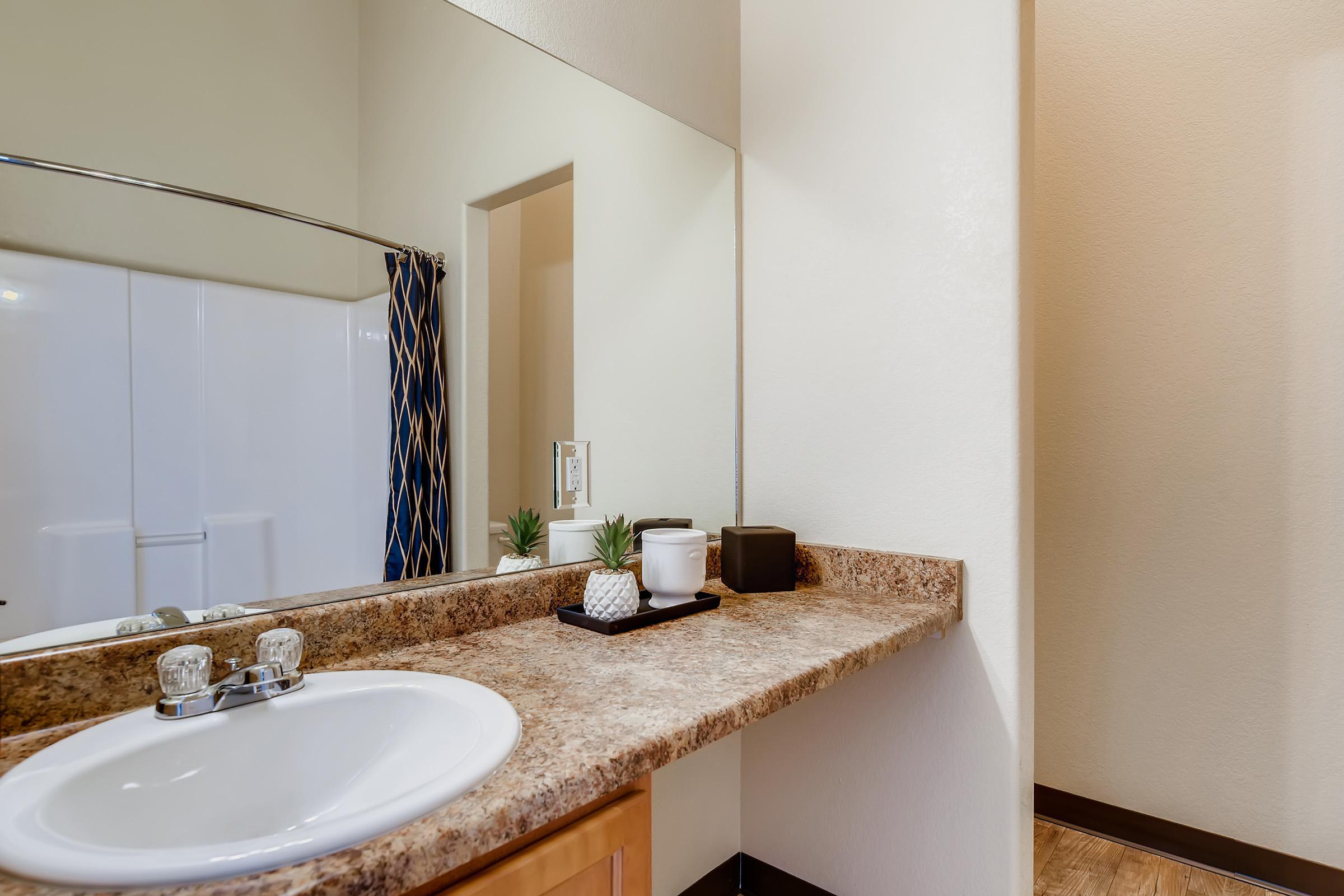 15 Bathroom.jpg