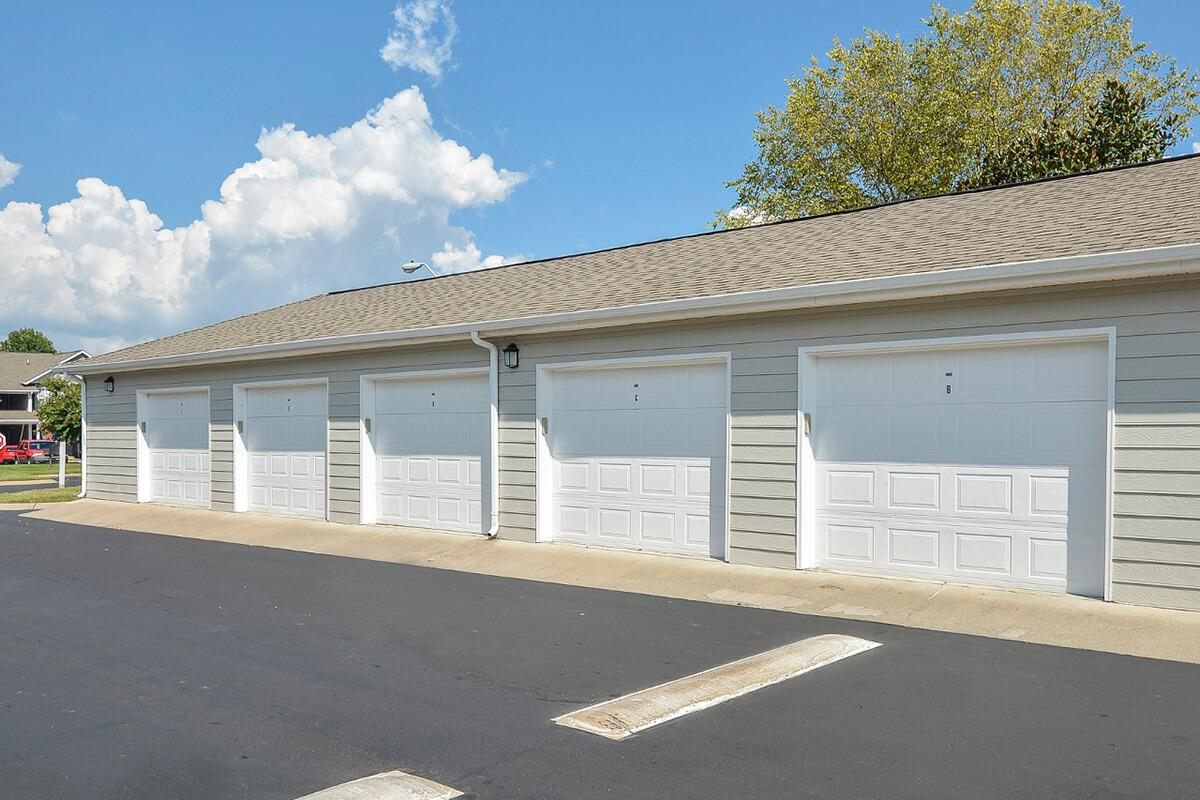 Carrington Park Apartments in Murfreesboro, TN - Garages 01.jpg