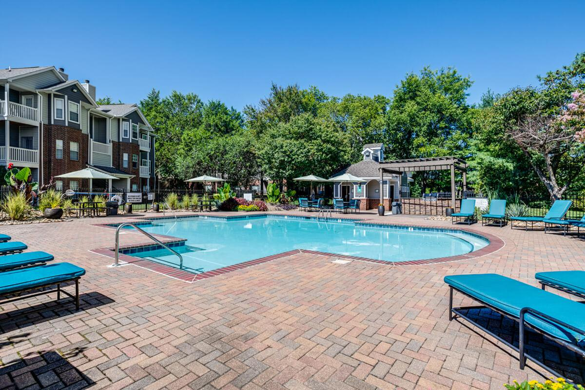 Carrington Park Apartments in Murfreesboro, TN - Swimming Pool 01.jpg