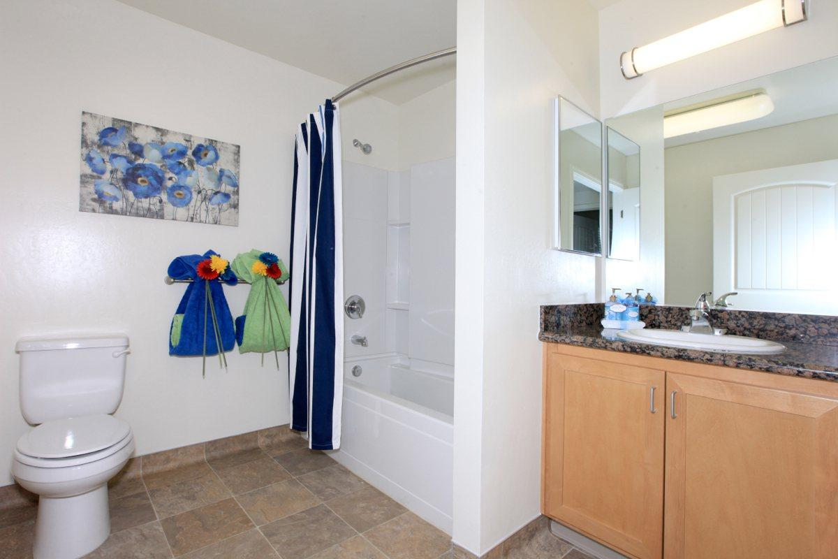 Watermark has contemporary bathrooms