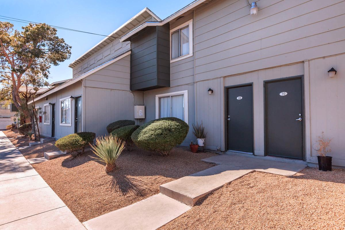 GREEN TREE TOWNHOMES IN LAS VEGAS HAS ON-CALL AND ON-SITE MAINTENANCE