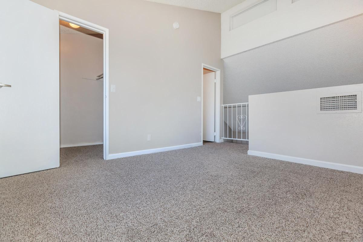 WALK-IN CLOSETS AT GREEN TREE TOWNHOMES IN LAS VEGAS